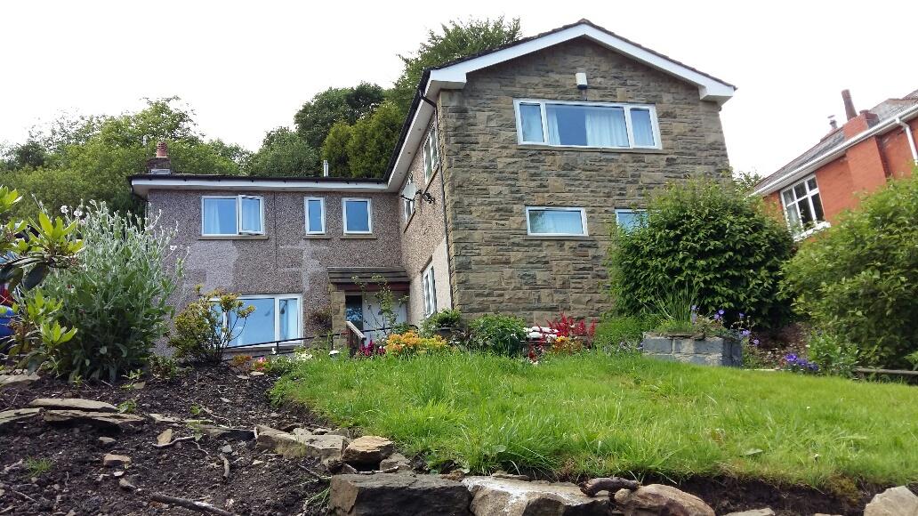 Weir house - 1 room available